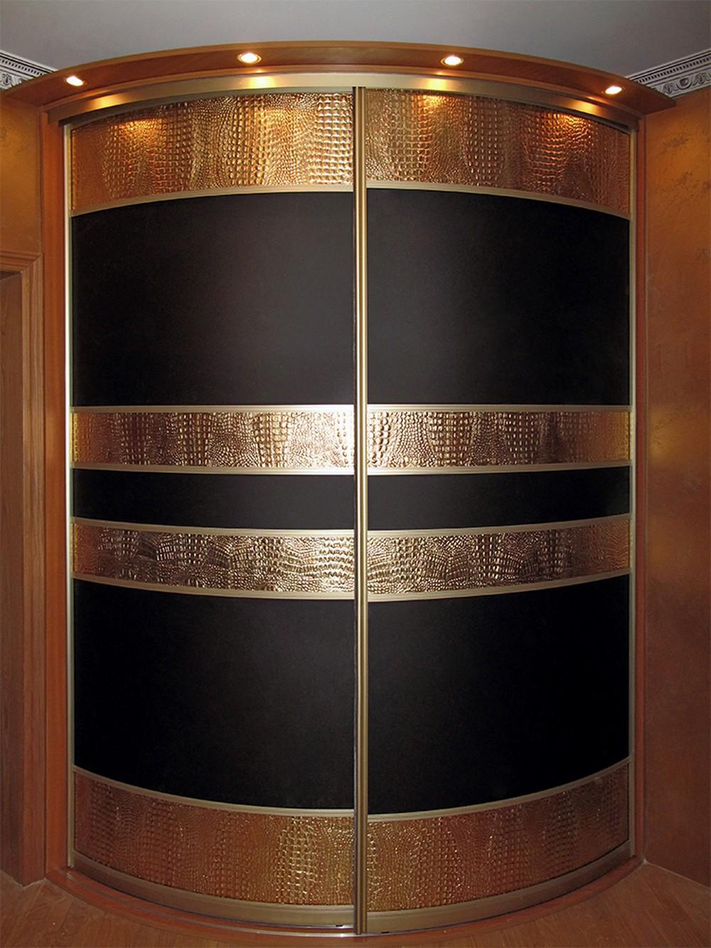 Шкаф распошной угловой под золото фото.