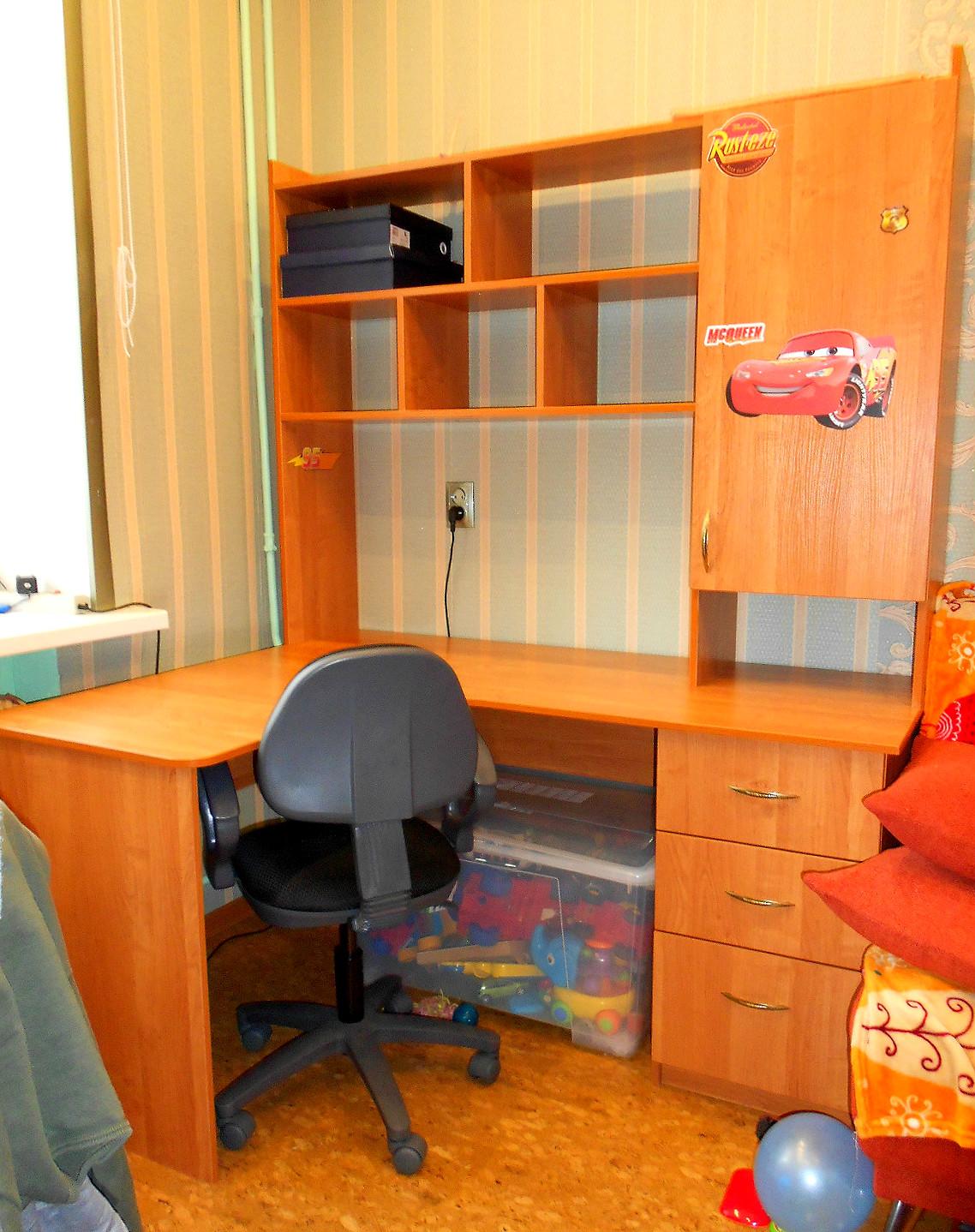 Стол компьютерный в детскую stil-int-dop.ru.